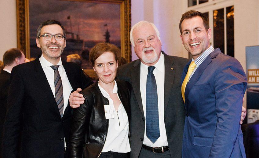 people_1213_kielsspitzen_Dr. Christian Kuhnt (Intendant SHMF), Katrin Berling (Sophienhof), Peter Harry Carstensen und Moderator Arne Jessen (vlnr)