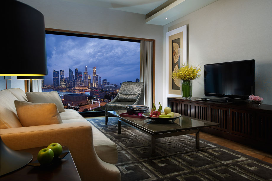 singapore-suite-bay-suite-living-room-1