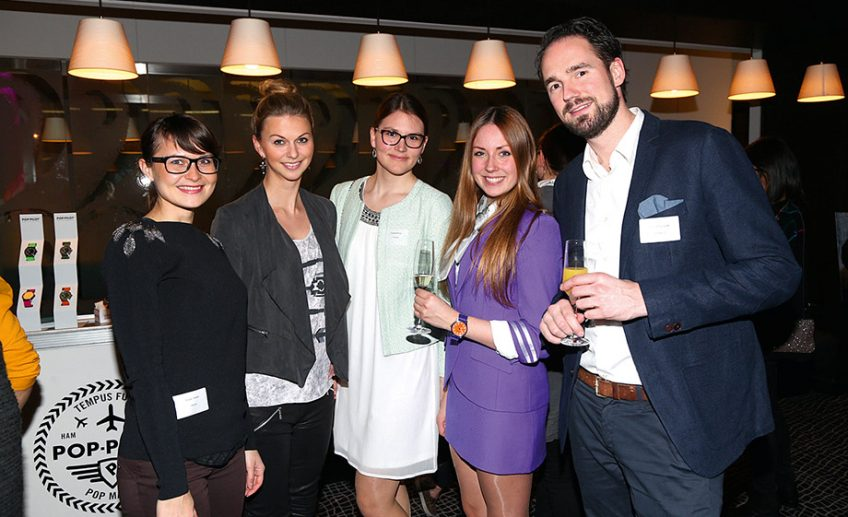 Susan Heber, Christin Karen Laatz, Claudia Böhme, Pop Pilot-Stewardess und Gastgeber Axel Kmonitzek