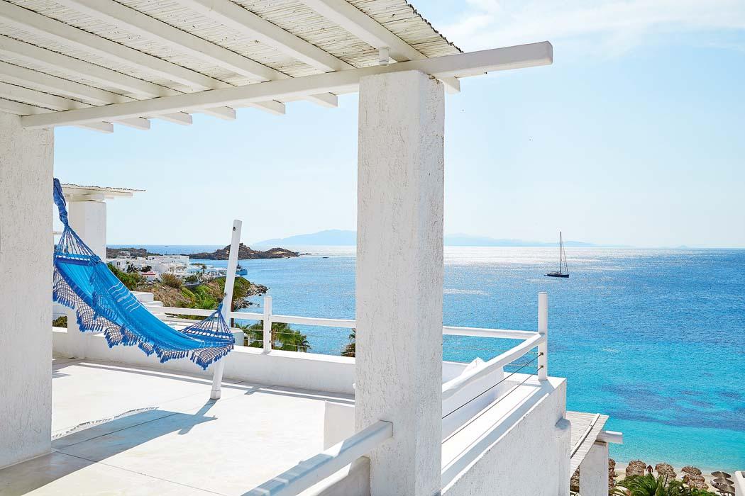 TANGO_online_blue-views-over-the-aegean-sea