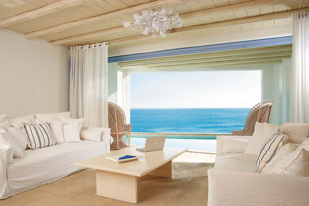TANGO_online_deep-blu-villa-with-private-shaded-heated-pool-and-outdoor-jacuzzi-sea-view
