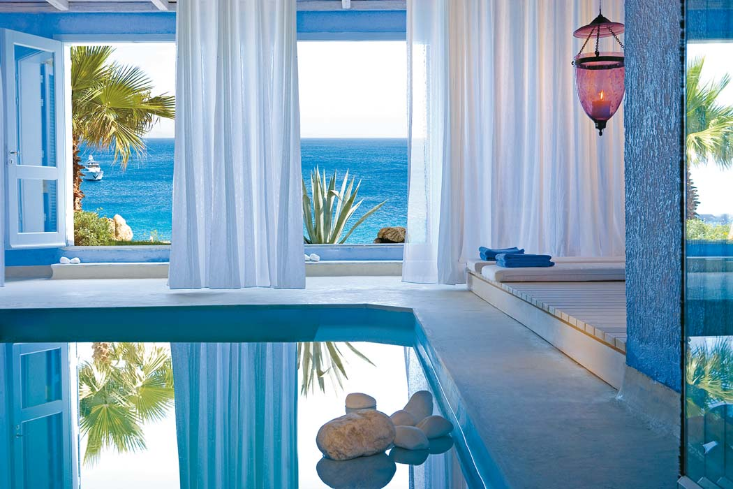 TANGO_online_luna-blu-suite-with-private-heated-indoor-pool-and-amazing-sea-view