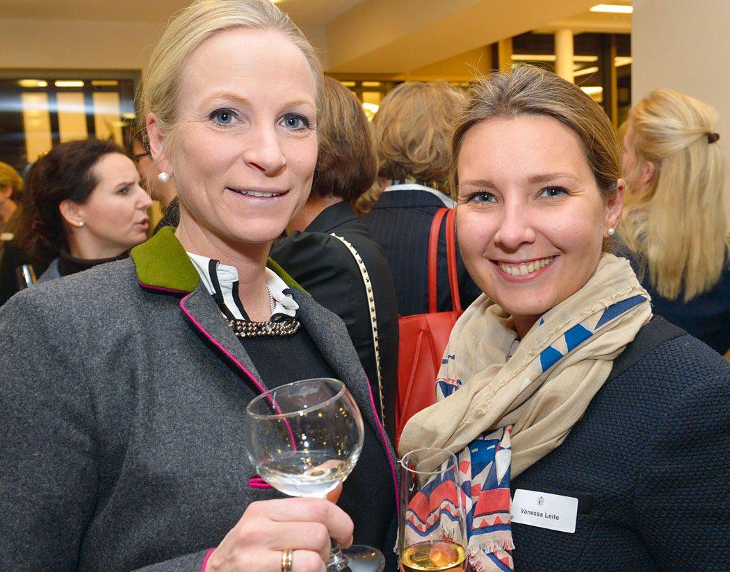 Katharina Paare und Vanessa Leite