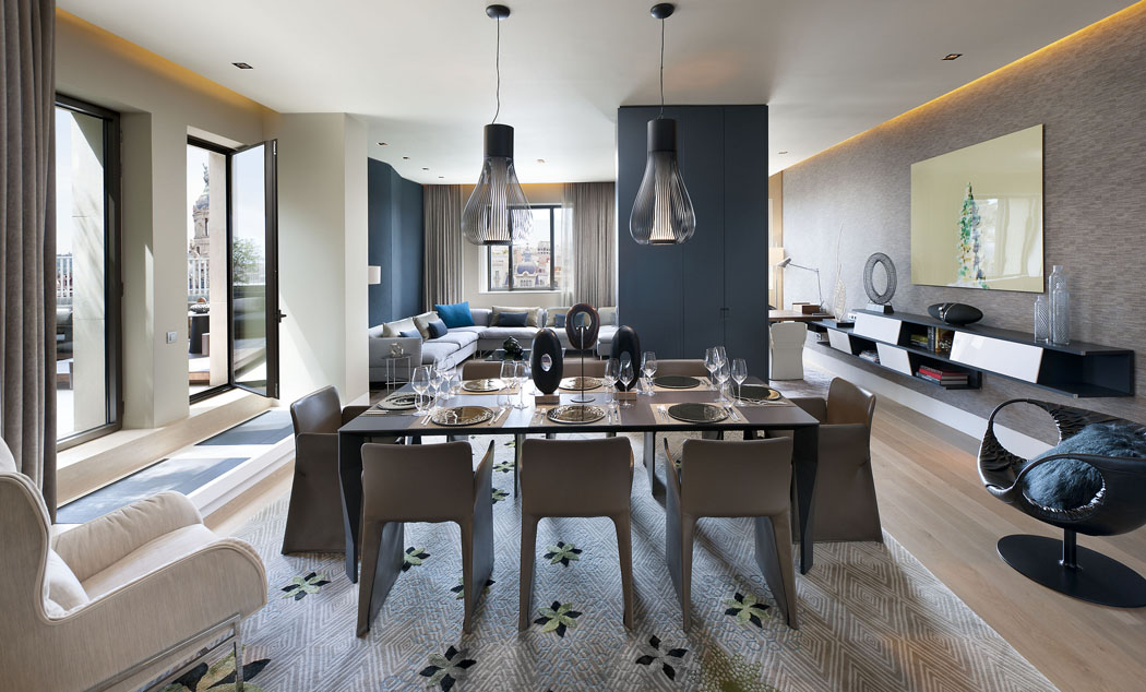 TANGO_online_barcelona-suite-penthouse-living-room-dining-room-1