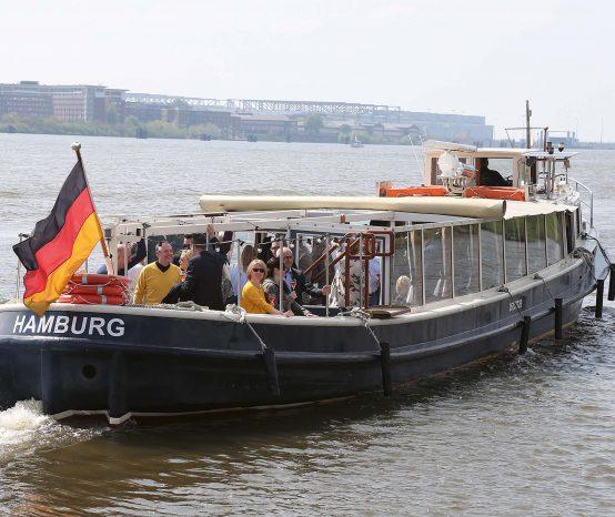 """""""Leinen los!"""" im Hamburger Hafen mit Bentley Hamburg"""