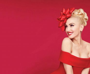 "Gwen Stefani - ""You make it feel like Christmas"""