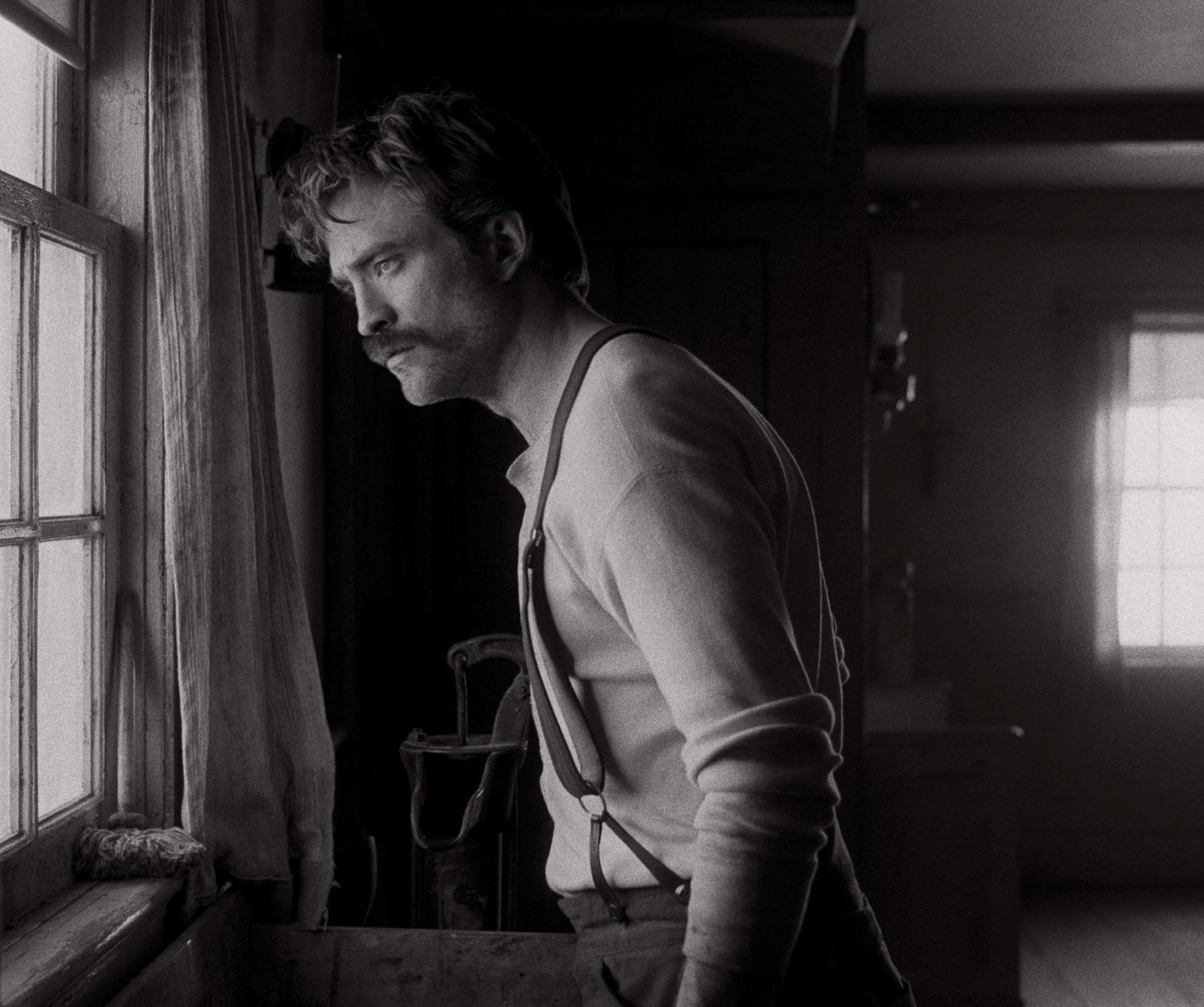 Kinopremiere »Der Leuchtturm« Willem Dafoe und Robert Pattinson in einer spannenden Tour de Force